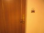 リーガロイヤルホテル広島客室ドア.JPG