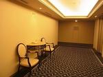 リーガロイヤルホテル広島客室フロアーEVホール.JPG