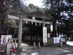 鳩森八幡神社入口の鳥居.JPG