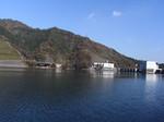 宮ヶ瀬湖遊覧船から見る宮ヶ瀬ダム1.JPG