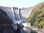 橋から見た宮ヶ瀬ダム.JPG