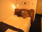 いわきワシントンホテル椿山荘客室内ベッド.JPG