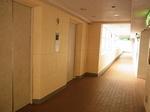 マホロバマインズ三浦ホテル客室フロアーEVホール.JPG