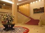 リーガロイヤルホテル広島ロビー階段.JPG