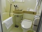 四日市シティホテル客室内バスルーム.JPG