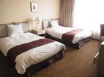 四日市都ホテル客室ベッド.JPG