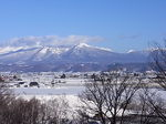 富良野ワイン工場から眺める大雪山国立公園十勝岳連峰.JPG