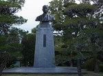 福澤諭吉旧居・福澤記念館銅像胸像.JPG