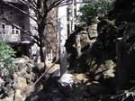 鳩森八幡神社富士塚裏側山道.JPG